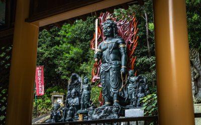 【泣く子も黙る迫力】三木市金剛寺のバキバキ仁王像にガクブル!