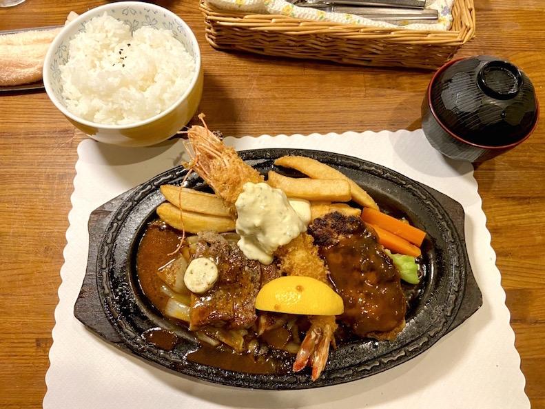【播州洋食界の雄】高砂市・洋食屋のエビフライが過去一巨大!